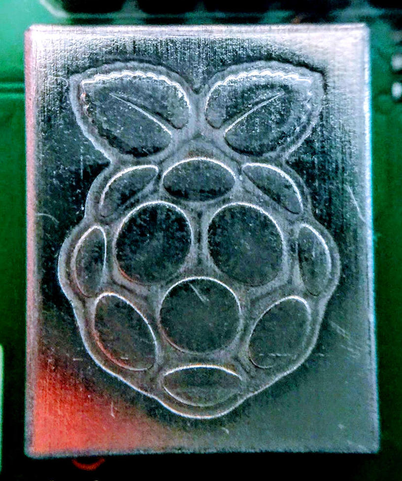 Bitscope Reviews Raspberry Pi 3 Model B Element14 Wireless Testing A Pt2262based Remote Control Under That Cute Little Metal Box With The Logo On It Is Chip Which Has Been Upgraded To Superior Cypress Cyw43455 Wifi 80211n Ac