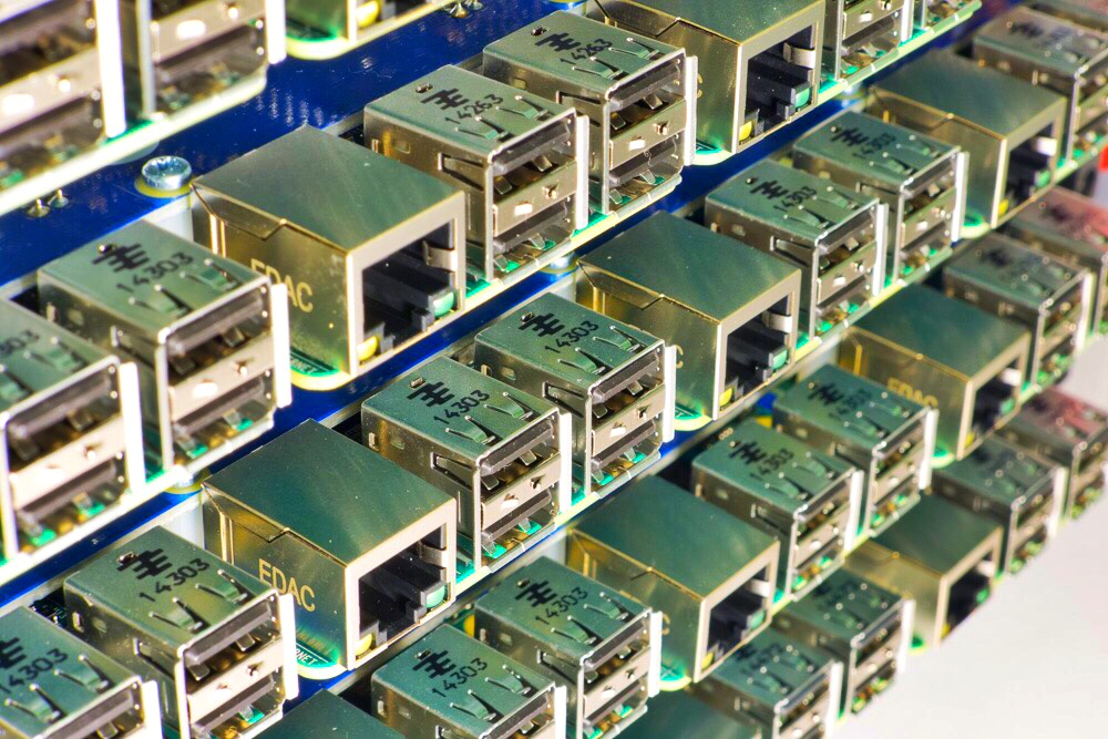 Build servers with Raspberry Pi and BitScope Blade